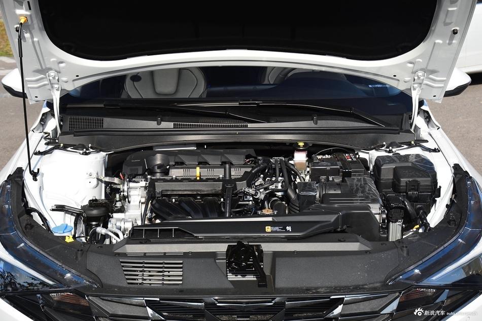 2021款伊兰特1.5L CVT LUX尊贵版