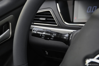 2021款欧尚A600 EV 6座