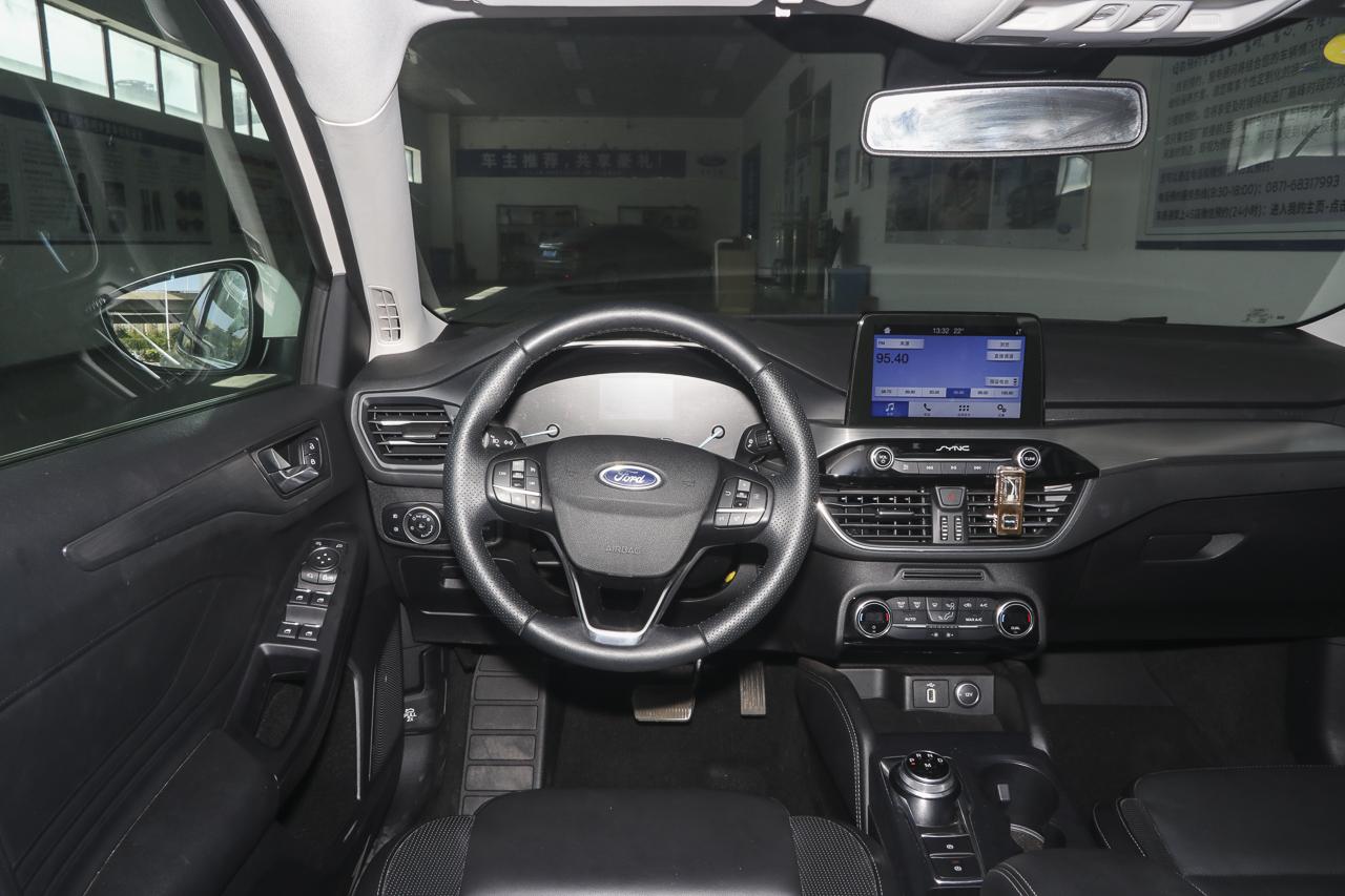 2019款福克斯三厢1.5T 锋耀型EcoBoost 180